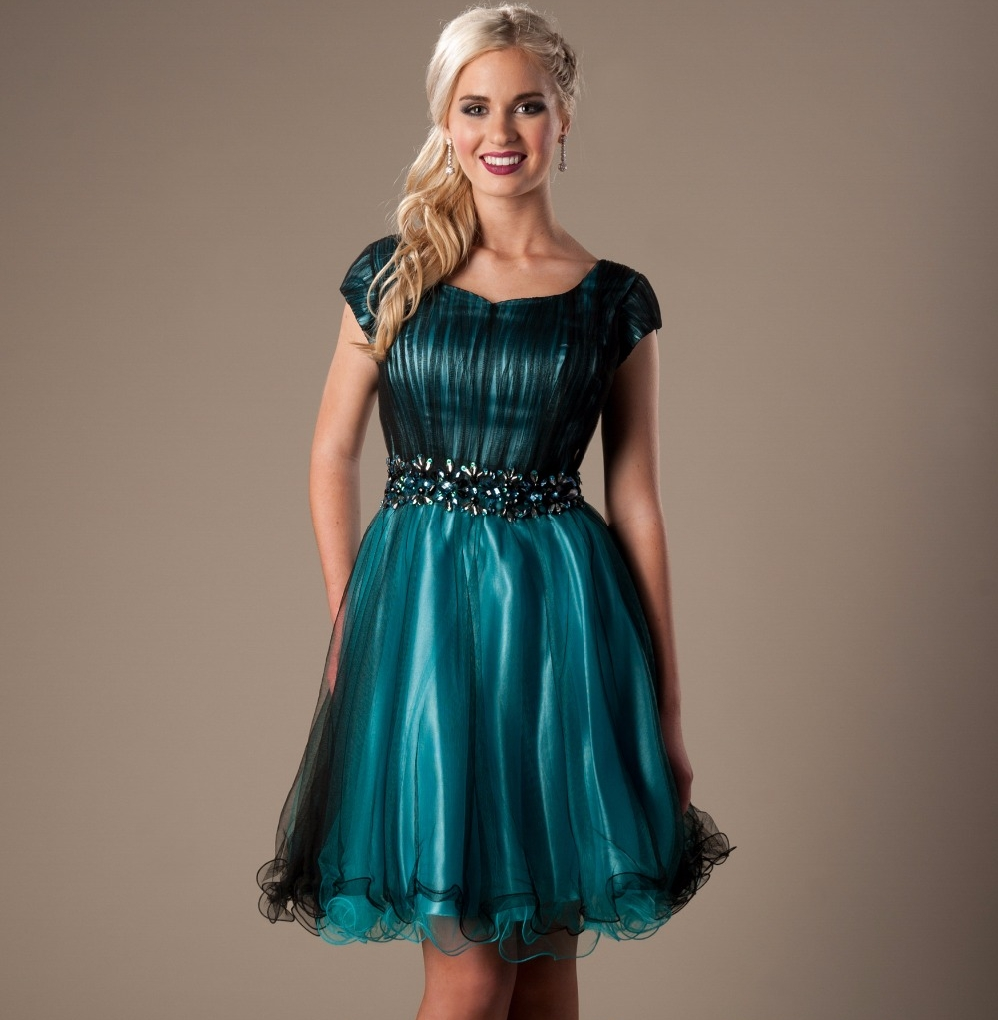 Quarter Sleeves Knee Length Modest Prom Dresses