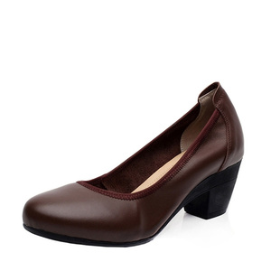 Image 5 - Ariari אמיתי עור נשים שמלת נעליים נוח רך עבודה גבוהה עקבים נעלי אלגנטי משרד ליידי עגול הבוהן משאבות גודל גדול 43