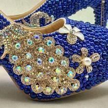a3c24d920 Nova chegada Pavão Azul Royal pérola diamantes sapatos de Festa da Mulher/Bombas  de Alta Moda sapatos de Casamento strass sapato.