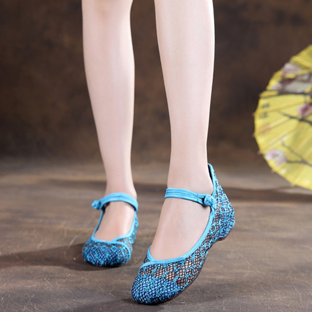 2016 Summer New Embroidery flats shoes old Beijing mesh Net hollow canvas increased heel women walking soft dance shoes 34-40