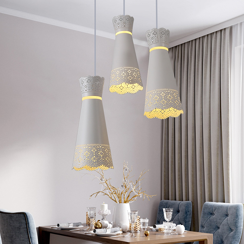 Restaurant chandelier Nordic simple creative dining room lighting cafe bar wrought iron three-head disc chandelierRestaurant chandelier Nordic simple creative dining room lighting cafe bar wrought iron three-head disc chandelier