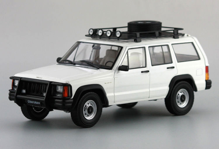 1:18 Diecast Model for Jeep Cherokee 2500 White SUV Alloy Toy Car Miniature Collection Gifts 1 18 bjc jeep 212 with cannon army military suv diecast alloy metal suv car model toy boy girl birthday gift collection hobby