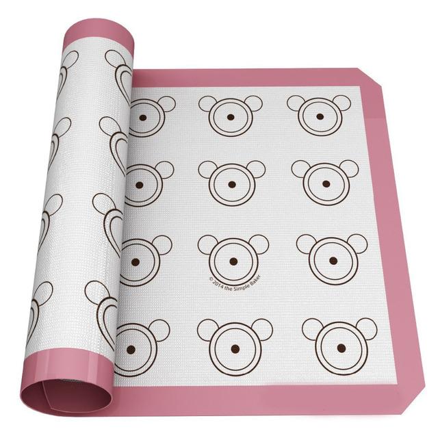 20 Place Holes Macaron Mat
