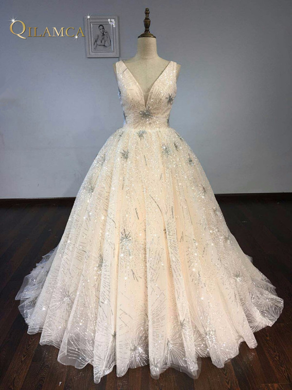 कमाल वी गर्दन वेडिंग - शादी के कपड़े