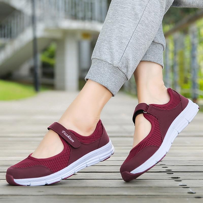 Women Shoes Breathable Mesh Vulcanize Shoes For Summer Women Casual Shoes Super Light Women Sneakers 2019 Flat Tenis Feminino