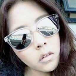 Free shipping wholesale resistance material fashion cat eye Balrog style sunglasses