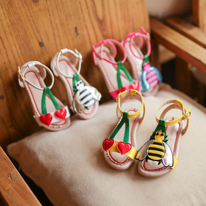 Image 5 - 2018 Summer Girls sandals  flowers with heart sharp and bees beach shoes for baby to big kids