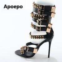 Летняя мода Золотой заклепки кожа Бретели для нижнего белья женские Босоножки с открытым носком 120 мм женские туфли на высоком каблуке на мо