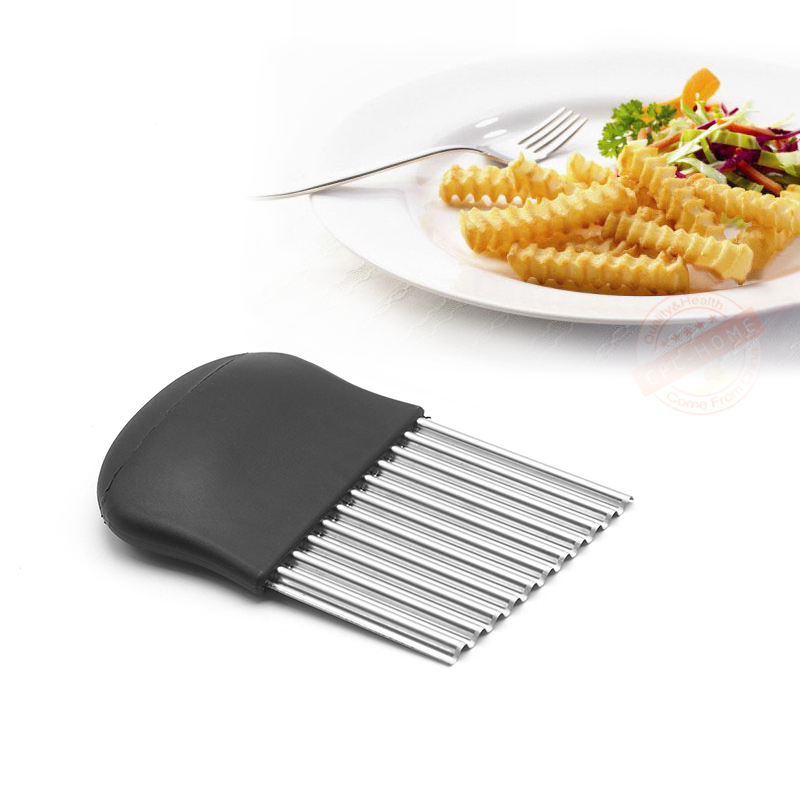 wavy crinkle cutting tool salad chopping knife and