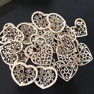50pcs/lot Christmas Wedding Decoration Heart Wooden Craft Hanging Ornament Home Party Table DIY Handmade Scrapbooking 62569