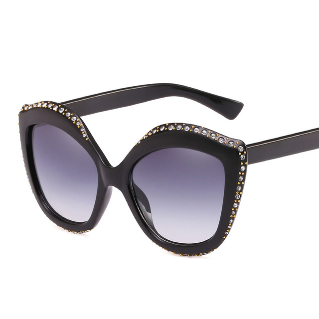 0fa74598d333 VazRobe Cat Eye Sunglasses Women Retro Vintage Steampunk Sunglasses for  Woman Cateye Rhinestone Sun Glasses White Pink 2018