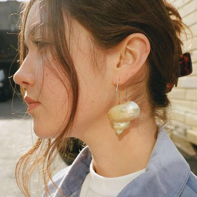Original Natural Big Conch Shell Hoop Earrings For Women 2019 Summer Style Unique Turbo Seafood Bohemian Vintage Earrings Bijoux