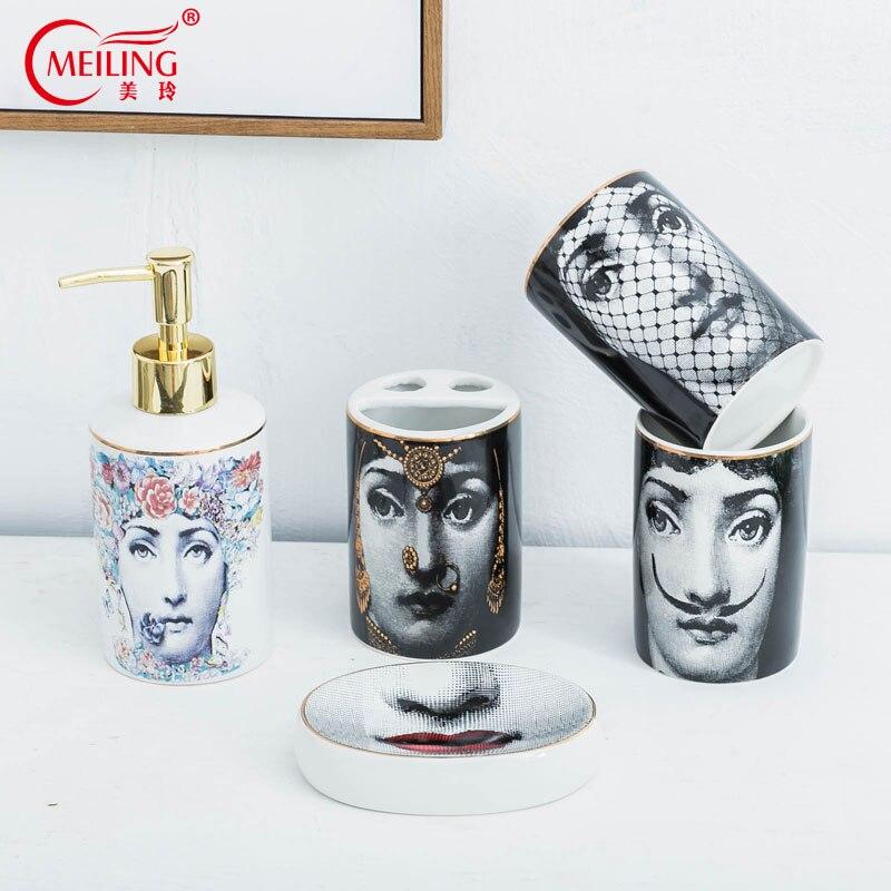 Beliebte Fornasetti Badezimmer Sets 5 stücke Keramik Dekoration Zubehör Seife Dispenser Zahnbürste Halter Tasse Wc Lagerung Box Hot-in Badezimmer Zubehör-Sets aus Heim und Garten bei  Gruppe 1