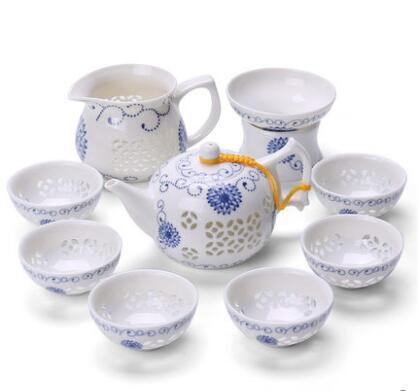 Ensemble de thé en porcelaine bleue et blanche ensemble de thé délicat tasse à thé en céramique évidé costume