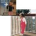 Защитная сетка для безопасности маленьких  детей на балконе