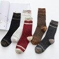 Novo design de alta qualidade do algodão outono inverno estilo retro pure color mulheres marca casual bota meias de tricô Grosso térmica