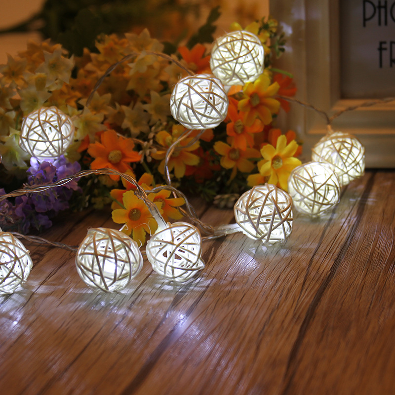 2.2M USB Charge Light String 22 LED Holiday Atmosphere Decorative Plastic Rattan Ball Light Strings