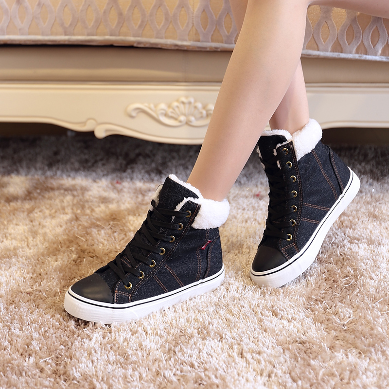 Flat boots during the winter and warm winter boots and velvet girl boots and cowboy boots Fashionable and comfortable 14
