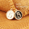 Joyería de moda Encantos de Oro Tono Plateado Esmalte de la Aleación Redonda Número 5 Pulsera Collar de Cadena de Teléfono Llavero Gota de Aceite Colgante Encanto