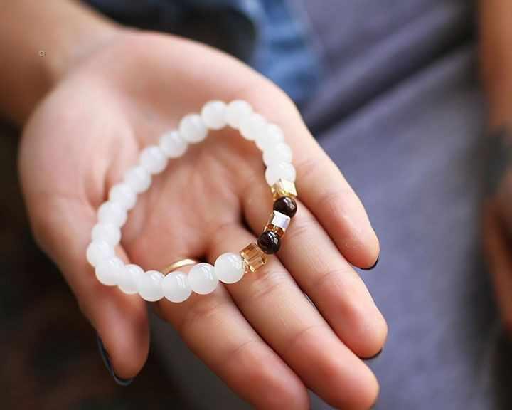 Nowe letnie wysokiej jakości granat naturalna biel chalcedon bransoletki i bransoletka dla kobiet moda 7MM koraliki biżuteria hurtowych