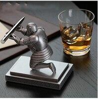 Home Decoration Desktop Pendant Figurine Executive Soldier Knight Pen Stand Holder Support Pen Seat Desk Armor Hero Stand
