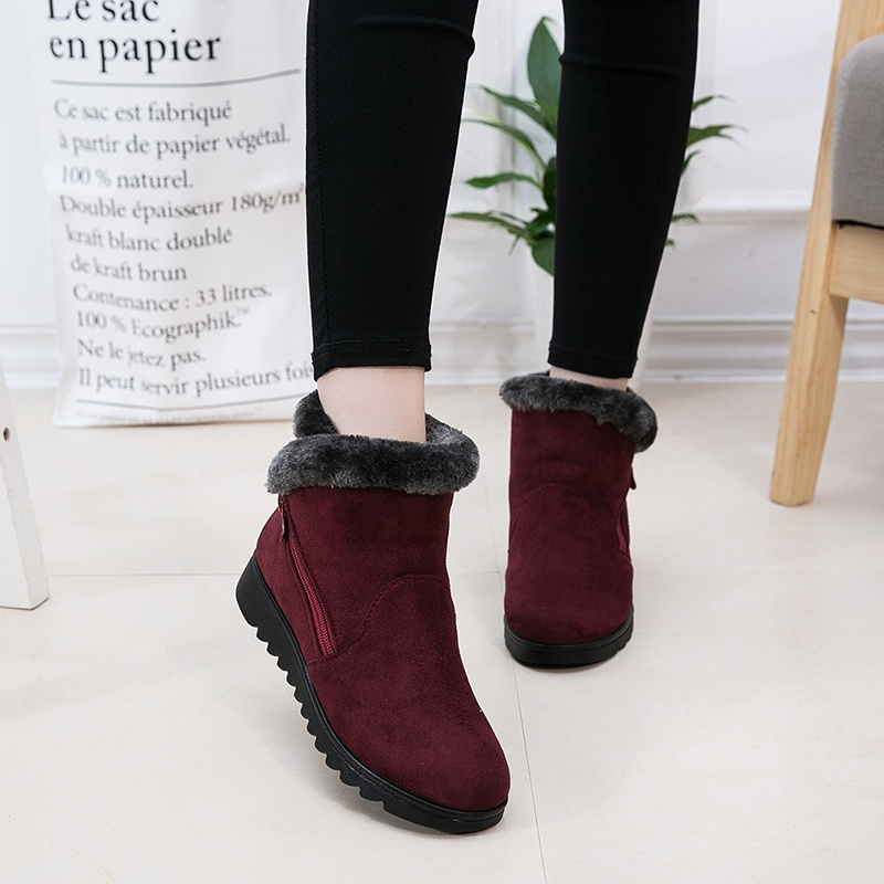 цена на 2018 Women Winter Suede Furry Lined Zipper Short Ankle Snow Boots