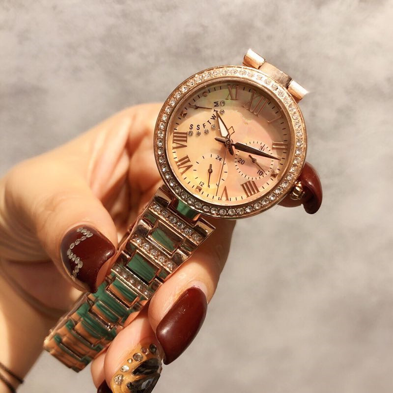 Womens Watches Top Brand Runway Luxury European Design  Quartz Wristwatches   A0432Womens Watches Top Brand Runway Luxury European Design  Quartz Wristwatches   A0432