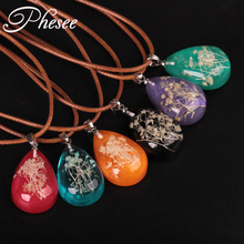 Phesee Fashion New Statement Neclace Natural Dried Flowers Necklaces & Pendants Glow In Dark For Women Water Drop Necklace