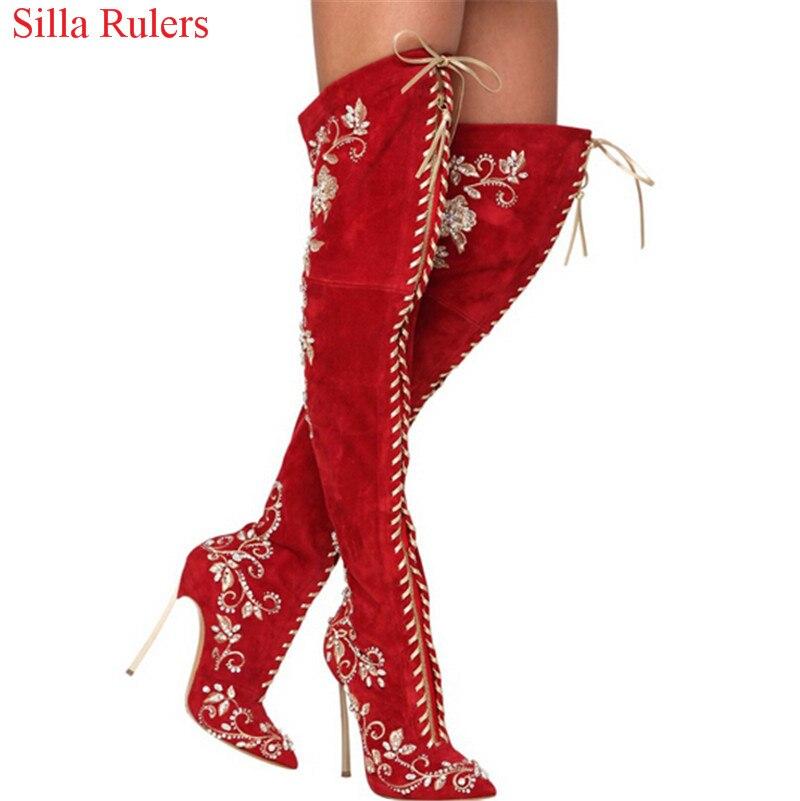 Пикантные острый носок вышитые Кружево со шнуровкой сапоги до бедра Высокие каблуки Красный, черный, синий цвет замши женские зимние ботинк