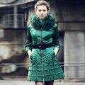 Por la chaqueta abajo, mujeres invierno súper bordado delgado recortada mangas trompeta mangas chaquetas de piel de mapache escudo de lujo