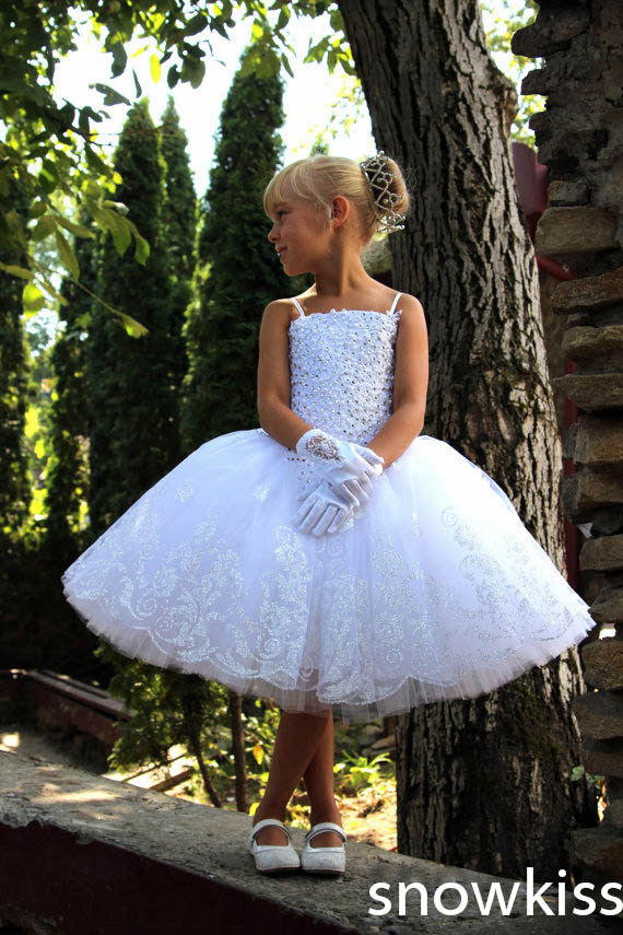 Cute White/ivory knee length sequined Flower Girl Dresses Birthday Pageant glitz ball gowns first communion frocks for kids new white ivory nice spaghetti straps sequined knee length a line flower girl dress beautiful square collar birthday party gowns