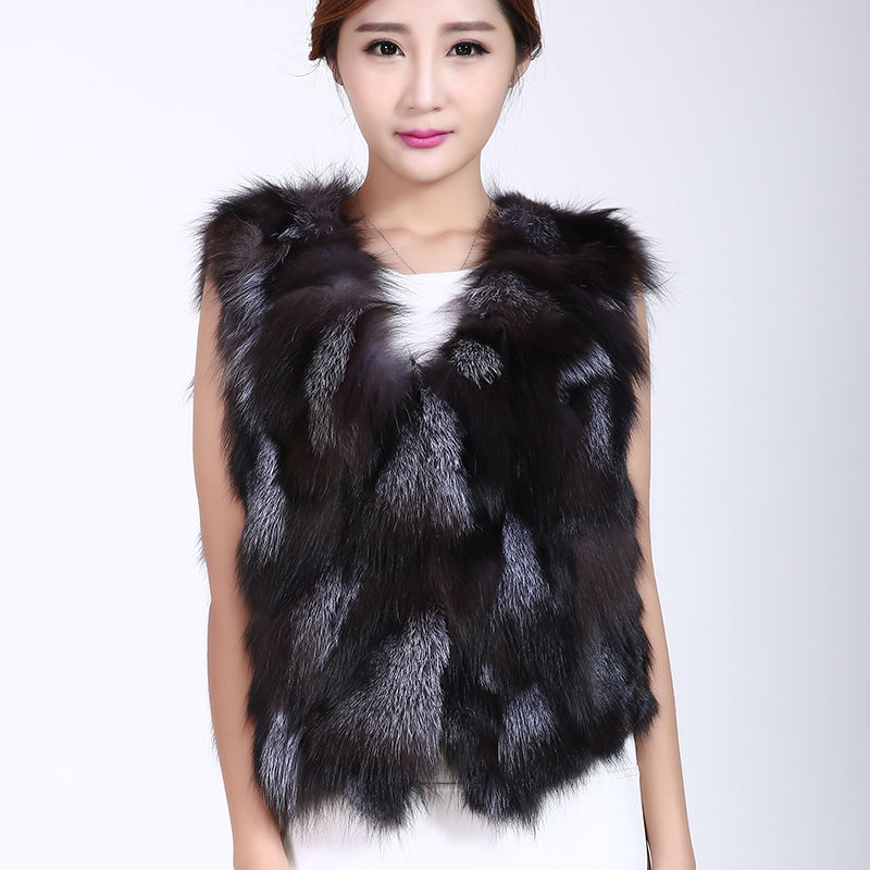 Silver fox fur fashion sleeveless V collar short black jacket with a woman inside the warm winter's clothes Big Size Coat