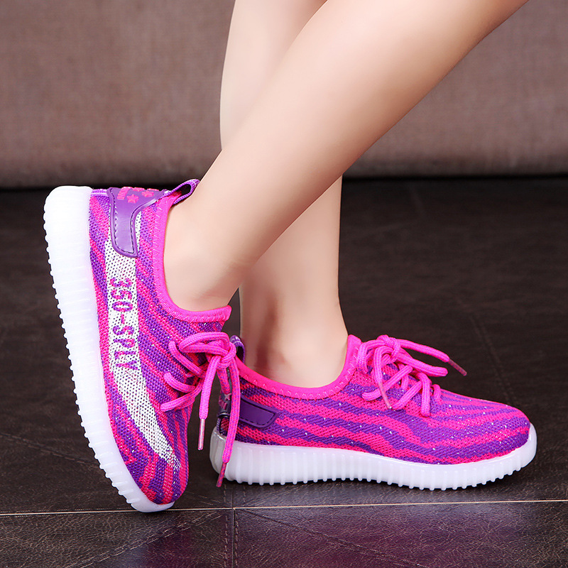 Сезон: весна–лето мальчиков и девочек спортивная обувь с свет мягкие детские Повседневное дышащая Модная легкая дышащая обувь