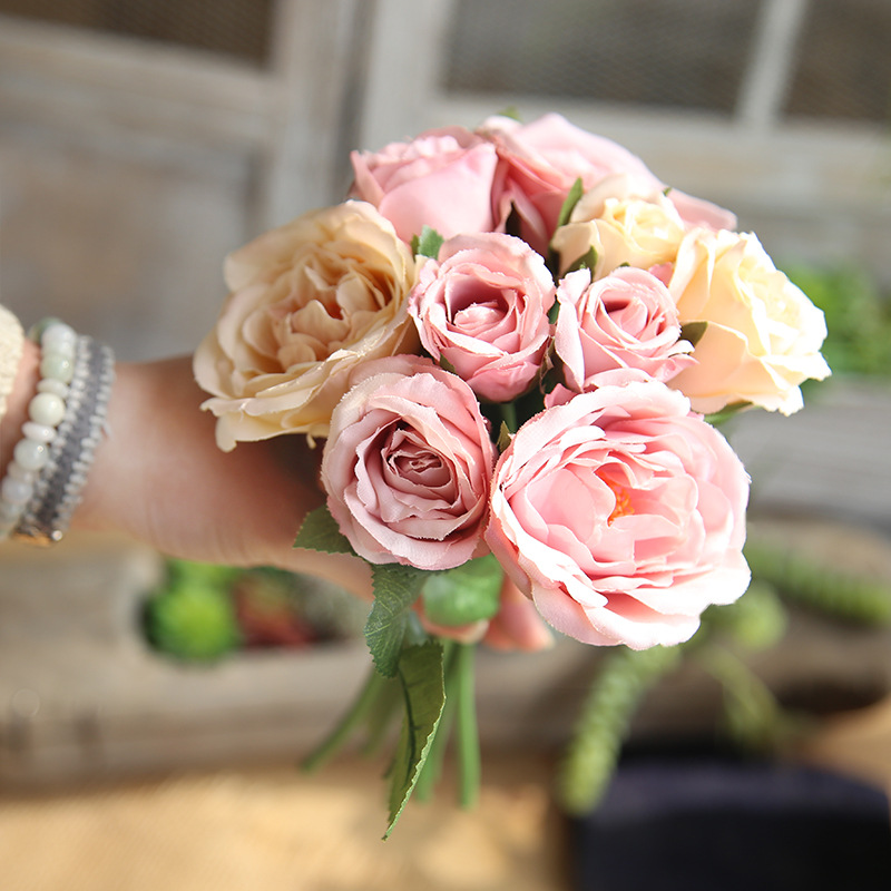 Land Lotus Artificial Flowers Bouquet Wedding Holding Flowers Silk Cloth Fake Flower Simulation plant home decoration crafts in Artificial Dried Flowers from Home Garden