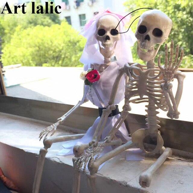 Halloween Skeleton Bride and Groom Plastic Lifelike Human Bones Skull Figurine for Halloween Decoration Horror April Fool's Day
