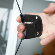 Cow Leather Archery Finger Guard Protection Pad Glove Tab Bow Shooting drop shipping New Hot