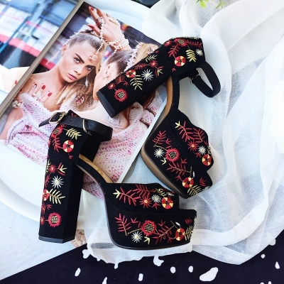 Summer Ladies Luxury Mixed Colors Flower Embroidery Platform Women Floral Chunky High Heel Sandals Kid Suede Peep toe Stiletto floral patch detail peep toe sliders