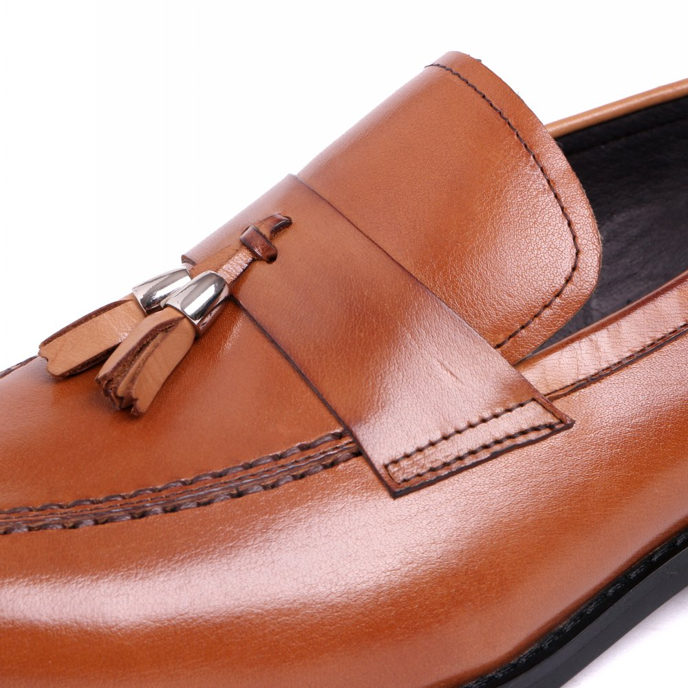2017 Latest Fashion Men Loafers Shoes Genuine Leather Tassel Slip On Dress Putih Renda A30554 For Wedding Eu38 44 Black And Brown Color In From