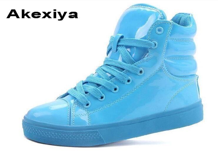 Prix pour Akexiya style superstar conception d'amants haute néon de couleur de sucrerie laqué en cuir Fluorescent bonbons fruits chaussures de sport en cuir verni