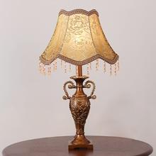 Lámparas de Mesa pequeñas de tela romántico europeo, lámpara LED E27 tallada de resina Vintage con atenuación para mesita de noche y mesa estrecha ZLTD010