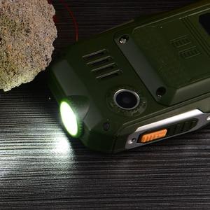 Image 4 - 2G Gofly robuste extérieur Senior téléphone portable fort son torche FM longue veille russe clé batterie externe Bluetooth vitesse cadran
