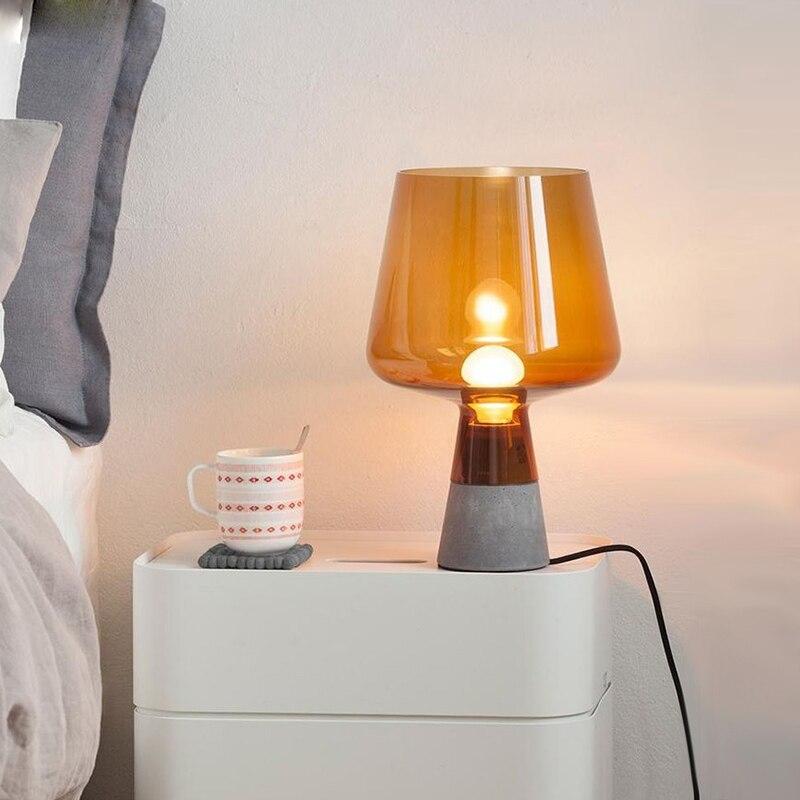 Nordic настольная лампа прикроватная лампа Стекло Спальня настольная лампа led освещение дома деко творческой стол свет 110-220 В