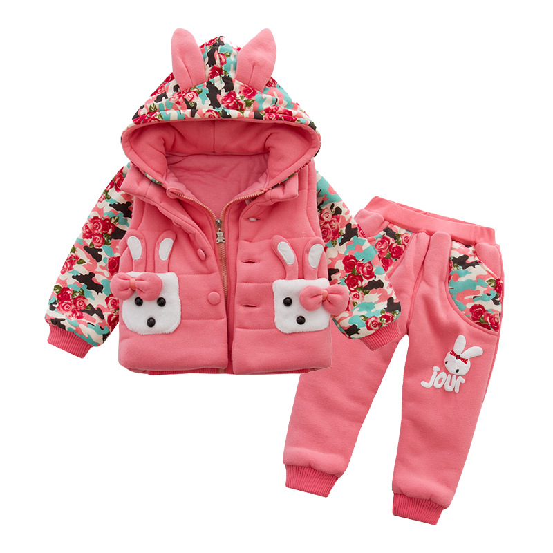ФОТО Anlencool 2017 winter new cotton three-piece camouflage rabbit coat baby girls clothing newbron clothes sets