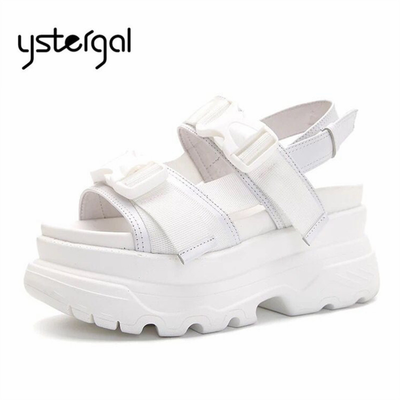 Ystergal 2019 nowy biały lato kobiety casualowe sandały kobiet 6 CM platformy pnącza wygodne płaskie buty kobieta sandał na plażę mieszkania w Wysokie obcasy od Buty na  Grupa 1