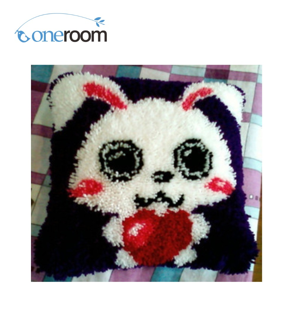 BZ089 Rabbit  Hook Rug Kit Pillow DIY Unfinished Crocheting Yarn Mat Latch Hook Rug Kit Floor