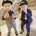 Ropa de 2017 Nuevos Niños Inglaterra Ropa Del Cabrito Del Muchacho Caballero Partido/Trajes de Boda Formal del Bebé Larga A Cuadros Conjuntos de manga larga