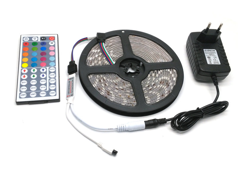 IP65 vízálló 5050 RGB 5M LED csíkkészlet + 44Keys IR vezérlő + - LED Világítás - Fénykép 2