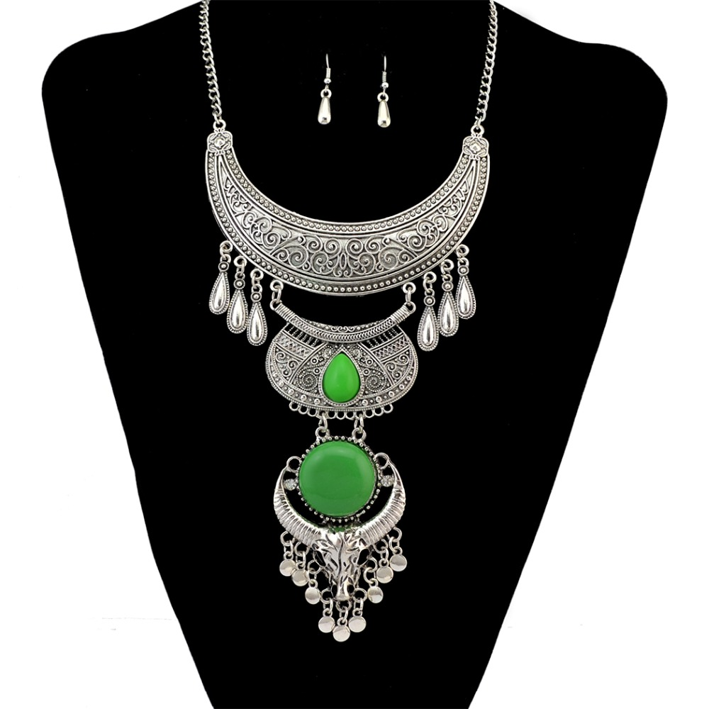 Bohemian Women Jewelry Sets Tibetan Silver Plated Alloy Carved Moon Resin Bead Inlay Bull Head Pendant Necklace Crystal Earrings