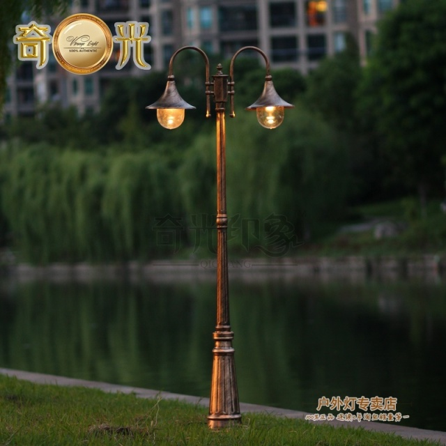 Europe Vintage Garden Lamp Post Light 2 Heads Garden Lights Fixture Lawn  Pathway Pole Lighting Bronze