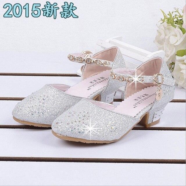 9cf7c9f94815e8 R$ 104.13 9% de desconto|Grandes da menina sapatos brancos sandálias caçoa  as sapatilhas de couro do falso de idade meninas 10 anos de sapatos de ...